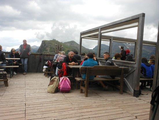 L 39 esterno del rifugio foto di ristorante rifugio capanna for L esterno del ristorante sinonimo