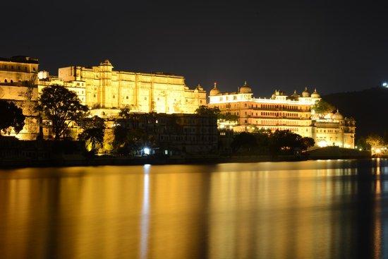 city palace  view from ambrai