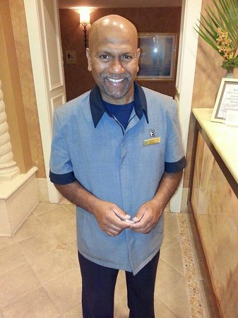 Embassy Suites by Hilton Tampa - Downtown Convention Center: Sammy the ABSOLUTE BEST, genuinely kind hearted Bellman