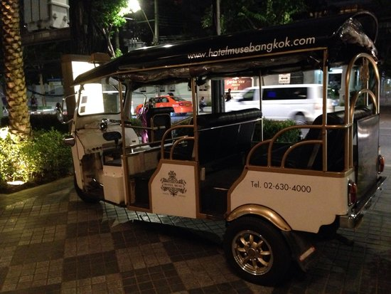 Hotel Muse Bangkok Langsuan - MGallery Collection : Hotels Tuk tuk