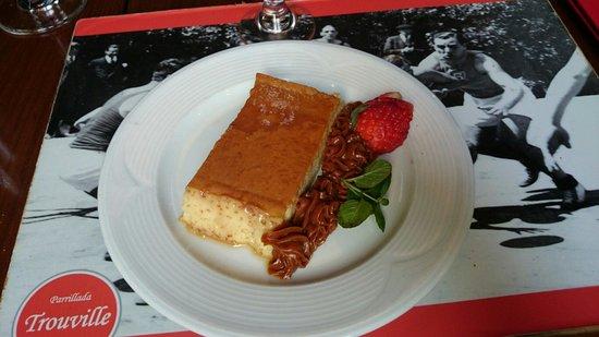 Parrillada Trouville: A beautiful dessert