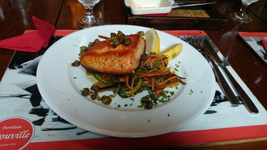 Parrillada Trouville: Delicate fish with wok vegetables
