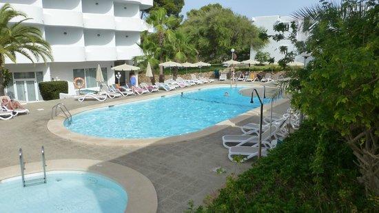 Inturotel Cala Esmeralda: Pool Area