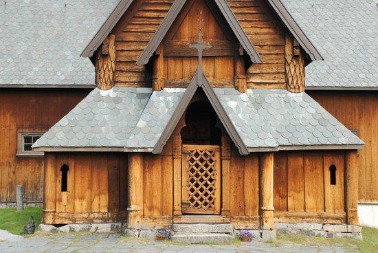 Hedalen Stave Church: Facade