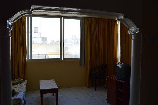 Hotel Magic Fenicia: PEQUEÑO SALÓN DENTRO DE LA HABITACIÓN