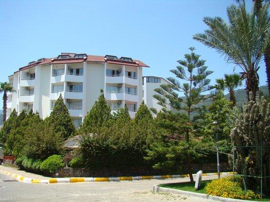 "Verde Hotel: ""Верде"" (2011 г.)"