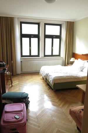 Mercure Josefshof Wien am Rathaus: Vista do quarto
