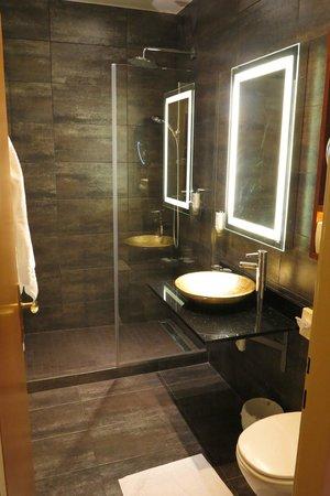 Mercure Josefshof Wien: Banheiro do Hotel