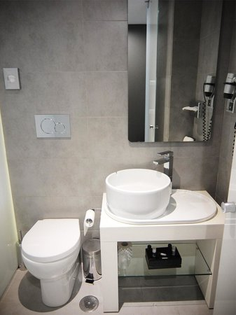 Smart Hotel: Bathroom