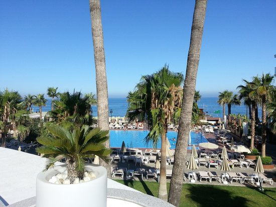 Hotel Riu Nautilus: View from the terrace bar