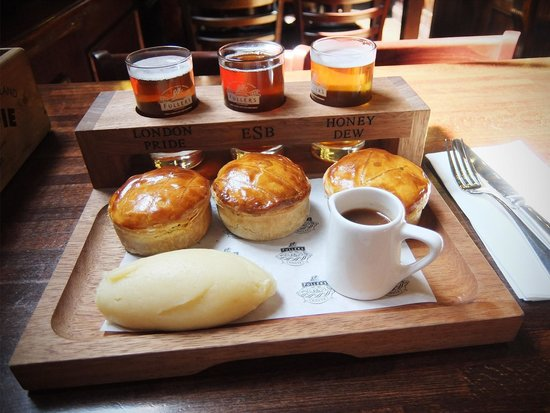 Fuller's Pie and Ale House: Three Pie and Ale Tasting Platter