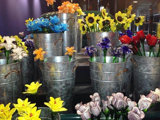 Corning Museum of Glass: Glass flowers bing smiles.