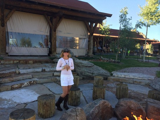 The Lodge and Spa at Brush Creek Ranch: Camp fire pit