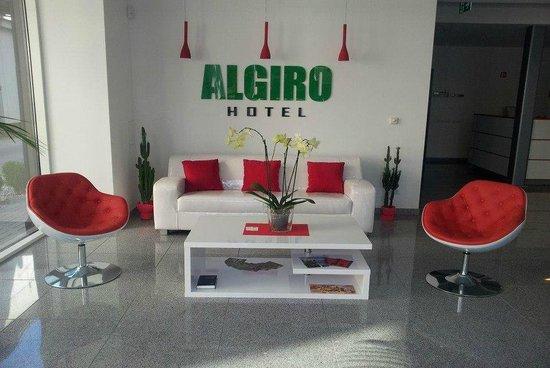 Hotel Lobby (105382493)