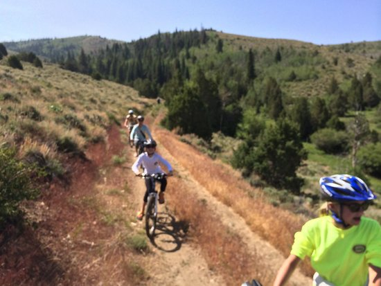 The Lodge and Spa at Brush Creek Ranch: Mountain bike trails were awesome !