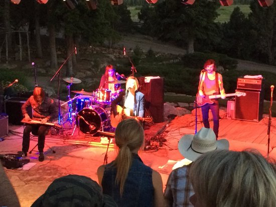 The Lodge and Spa at Brush Creek Ranch: CMA Artist Maggie Rose in the amphitheater