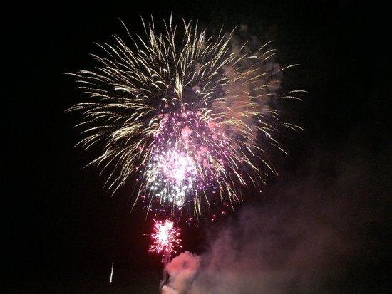 The Lodge and Spa at Brush Creek Ranch : July 4th Fireworks