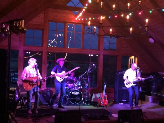 The Lodge and Spa at Brush Creek Ranch: Great band from Steamboat Springs