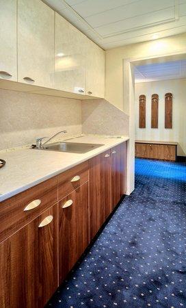 Hotel Imperial: Maisonette Imperial kitchen corner