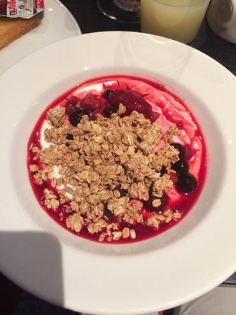 Crowne Plaza  Liverpool City Centre: yaourt muesli