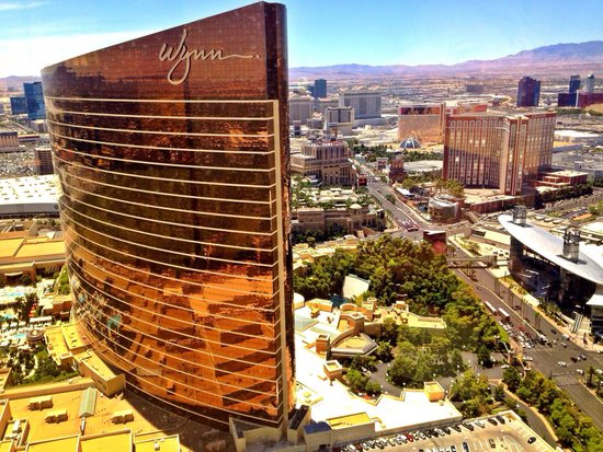 Encore At Wynn  Las Vegas: Wonderful view from the 61st floor!