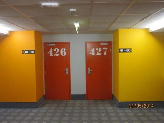 Tallinn Seaport Hotel: Оформление коридора