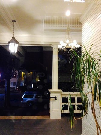 The Sterling Hotel Sacramento : Porch