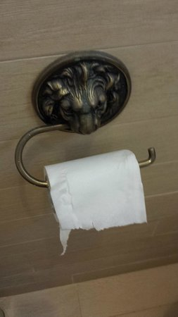 Hideaway of Nungwi Resort & Spa: The cheapest possible toilet paper