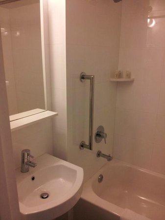 YVE Hotel Miami: bathroom
