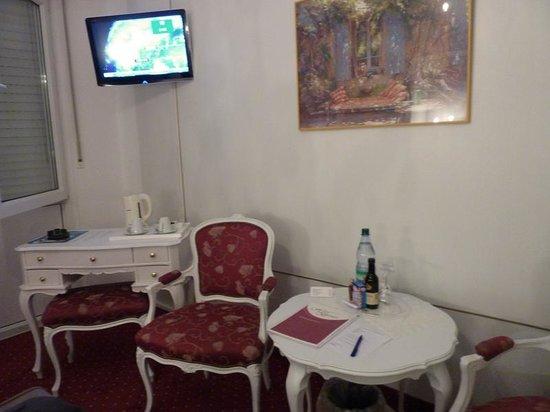 Brenner Hotel : habitacion