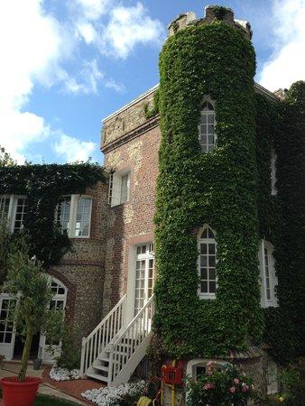Domaine Saint Clair Le Donjon: отель