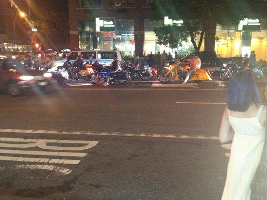 Gansevoort Park Avenue NYC: straat