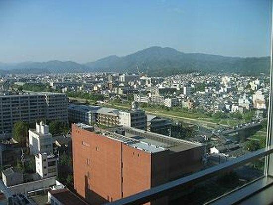 Kyoto Hotel Okura: 鴨川がみえる部屋
