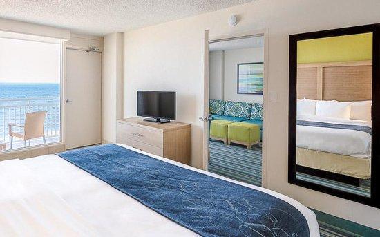 Comfort Suites Beachfront King Corner Suite