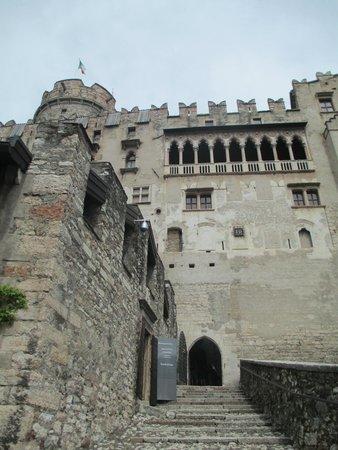 Castello del Buonconsiglio Monumenti e Collezioni Provinciali: la facciata mediogoticorinascimentale