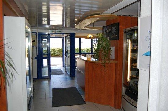 Ibis Budget Marseille Vitrolles : Hall