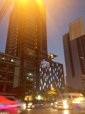 AETAS bangkok: By night