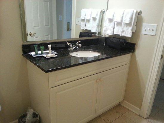 Royale Palms Condominiums by Hilton: Bathroom