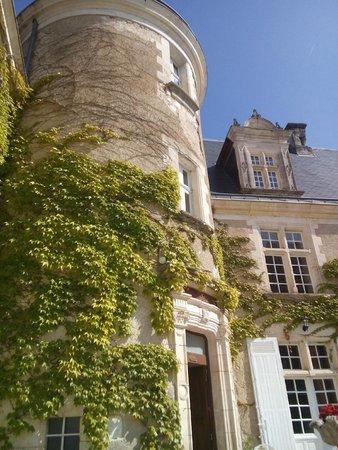 Château de La Côte : Старые стены, увитые зеленью. Вот он - Юг Франции... милой Франции
