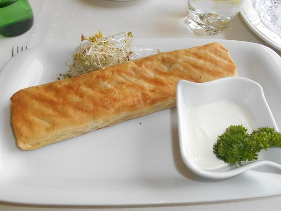 Przegorzaly Castle: vegetables in puff pastry with dill sauce
