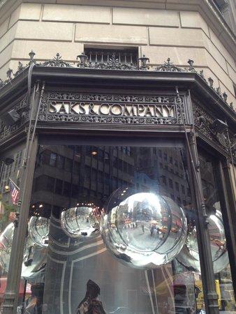 Saks Fifth Avenue: Saks