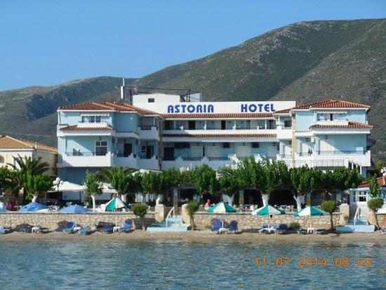 Astoria: отель Астория, вид с моря
