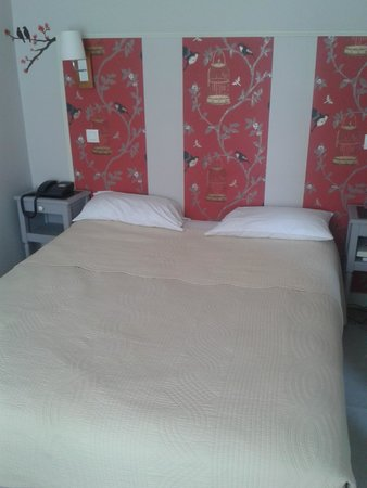 Hotel Villa Sorel: La chambre, joyeuse et propre