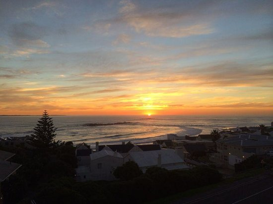 Blaauw Village Guest House: Our view at sunset