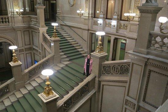 Staatsoper: Escadarias da State Opera