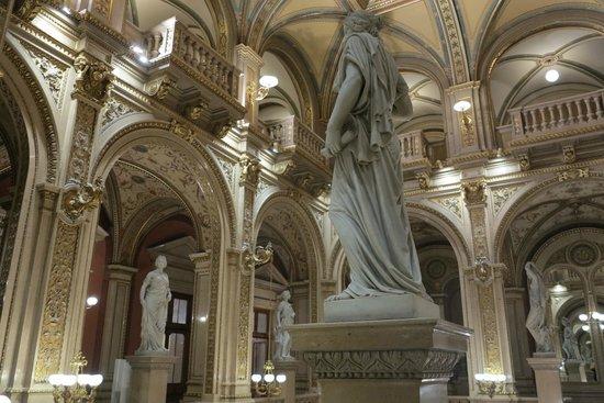 Staatsoper: Esculturas