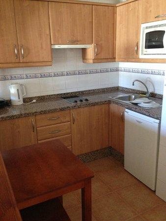Colon II Apartments: Kitchen