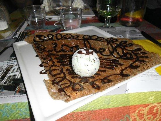 Le Preau : crèpe au blé noir qui s'apelle  isabelle