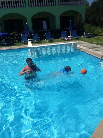 Katsaros: pool