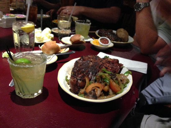 "Cattleman's Steakhouse Indian Cliffs Ranch : 32 ounce ""Cowboy"""